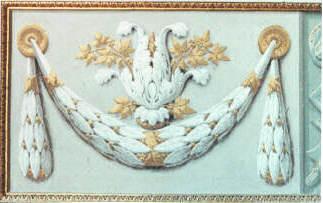 Riproduzione in tecnica antica (tempera a calce sul muro) di particolare di balza con ghirlanda di foghe e inerti in oro zecchino. Palazzo Pitti - Museo degli Angeli - Firenze