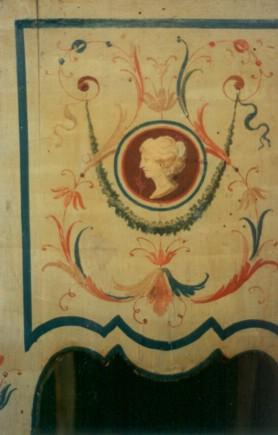 Riproduzione di mobile fiorentino eseguito in tecnica antica. Collezione privata - Firenze