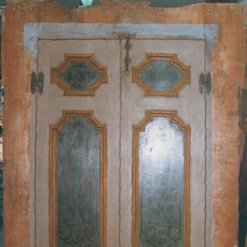 Riproduzione di porta laccata con formelle decorate. Collezione privata - Arezzo
